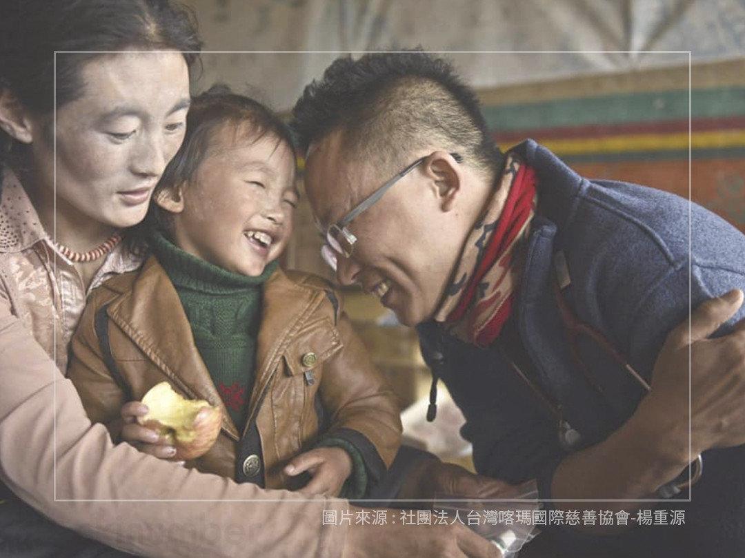 楊重源醫師與西藏塔須村民